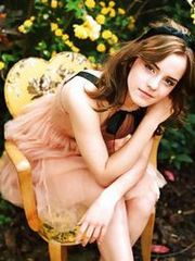 Pretty hollywood Star Emma Watson