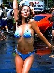Cute celeb Elisha Dushku shows her sexy..