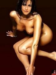 Friends star Courteney Cox in an all..