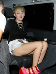 Miley Cyrus flashing her pussy in London