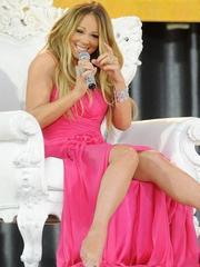 Sexy Mariah Carey curvy in various..