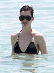 Anne Hathaway's despondent beach..
