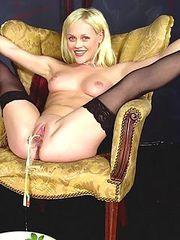 cute nude long legged teen