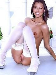 Jessica Biel butt naked and drills a..