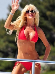 Sunkissed Victoria Silvstedt Flips Her..
