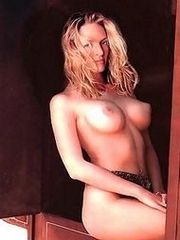 Uma Thurman takes a big hard cock in her pussy in these pics