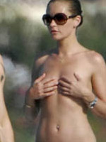 Paparazzi topless shots of famous..