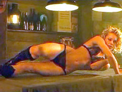 Actress Rebecca Romijn spreads legs