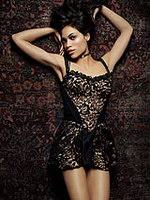 Shocking celebrity pics of Rosario Dawson