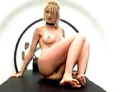 Naked Yuliya Mayarchuk spreads legs..
